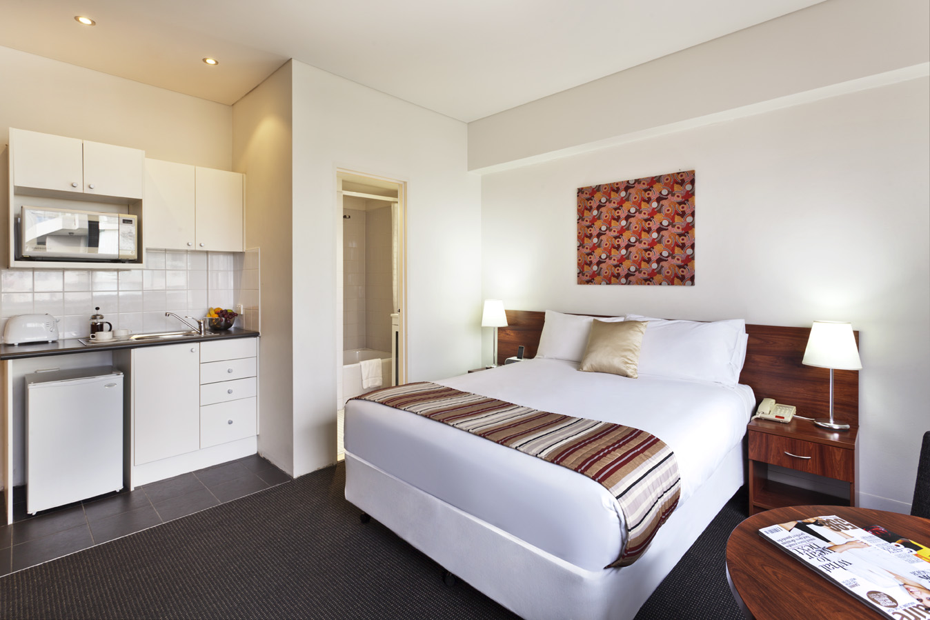 Spacious Studio hotel room with Queen Bed at The Macleay Hotel in Potts Point
