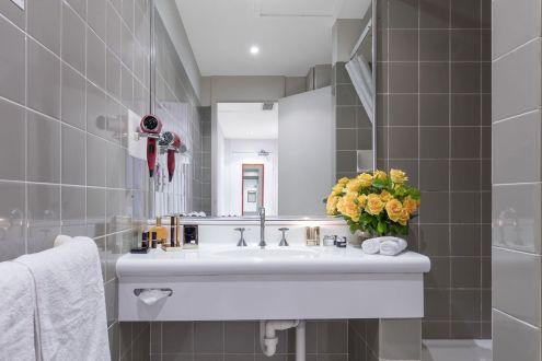 The Macleay modern Bathroom Sydney